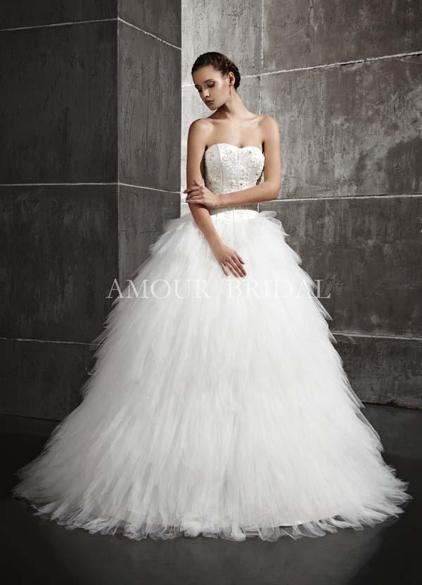 Свадебное платье с перьями юбка