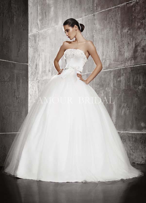 Пышные свадебные платья с лентой