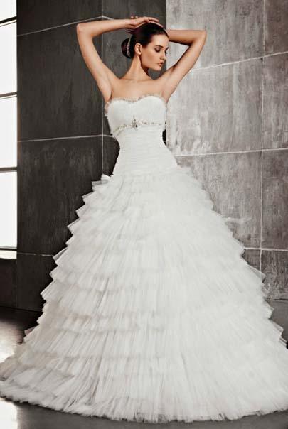Пышные свадебные платья из фатина с оборками