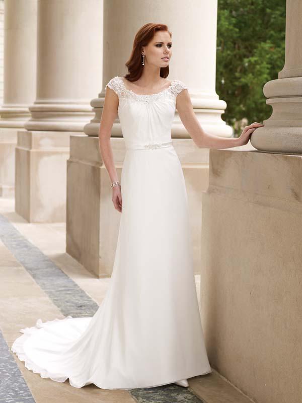 Свадебные платья прямого силуэта с закрытыми плечами